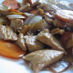 Porc cu morcovi si ceapa 胡萝卜猪片