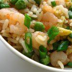 Orez stir fry cu creveti 虾仁炒饭