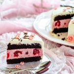 Tort cu zmeură și ciocolată-Tort cu flori sakura