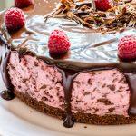 Cheesecake cu zmeură și ciocolată