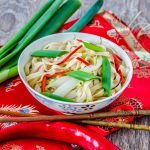 Taitei chinezesti cu varza 白菜面