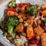 Quinoa cu legume si naut la cuptor