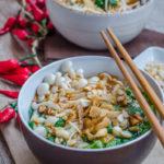 Supa chinezeasca iute acrisoara cu taitei