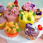 Cupcakes cu lamaie si bezea elvetiana cu unt