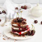 Pancakes cu ciocolata si cirese